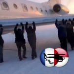 Krievijā prokuratūra pārbauda incidentu, kā pasažieri stūmuši lidmašīnu uz skrejceļu